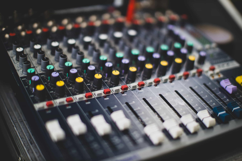 table de mixage volume reglage sono
